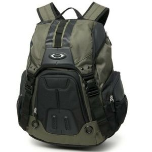 Oakley Gearbox LX Backpack - Dark Brush - NWT